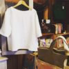 白のドロップショルダーブラウス